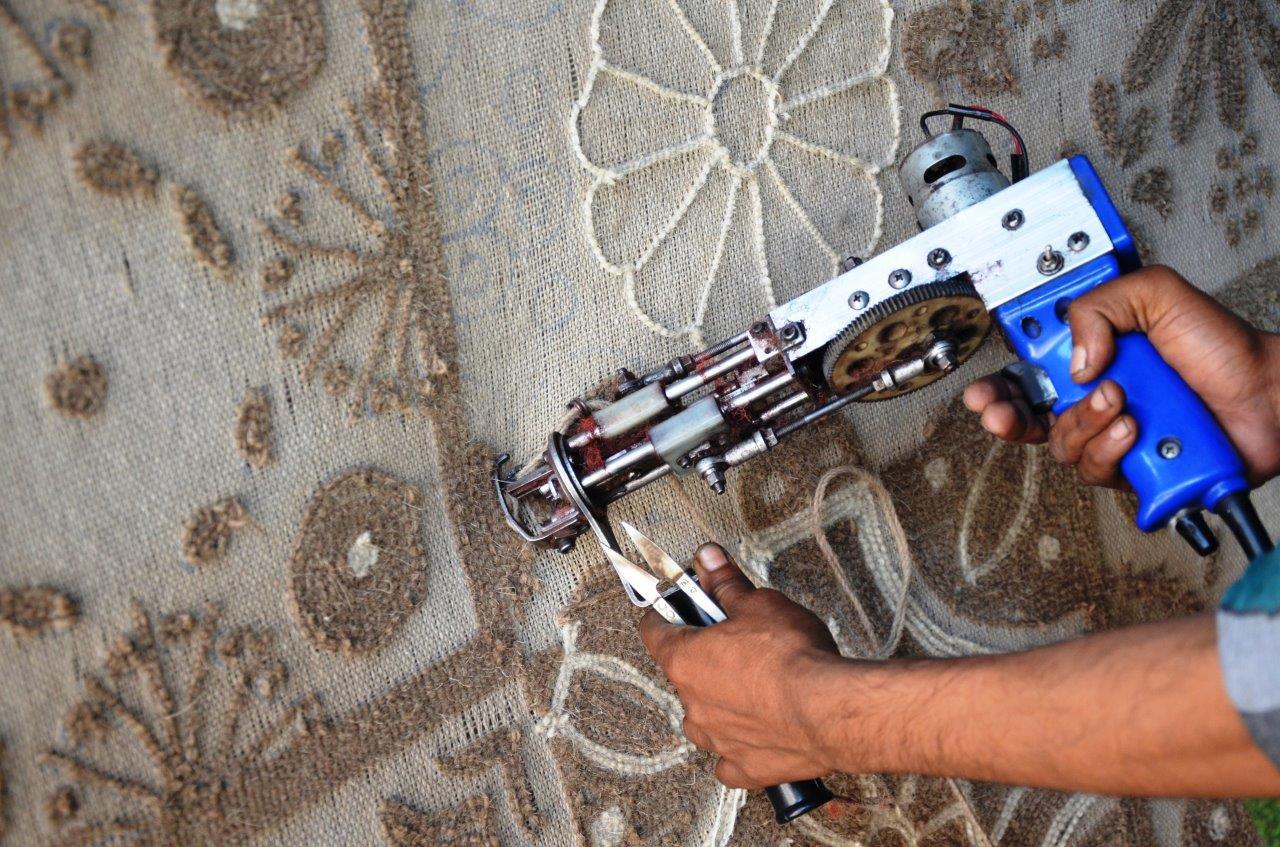 electric gun tufting